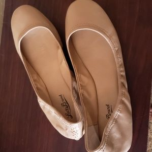 Lucky brand nude colored ballet flats